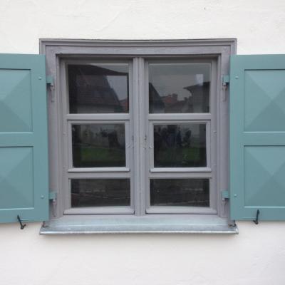 Fertig restauriertes 2-flg. Fenster mit Pfosten und Flügel im Flügel.