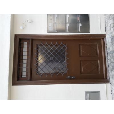Historische Haustüre retauriert und thermisch verbessert.